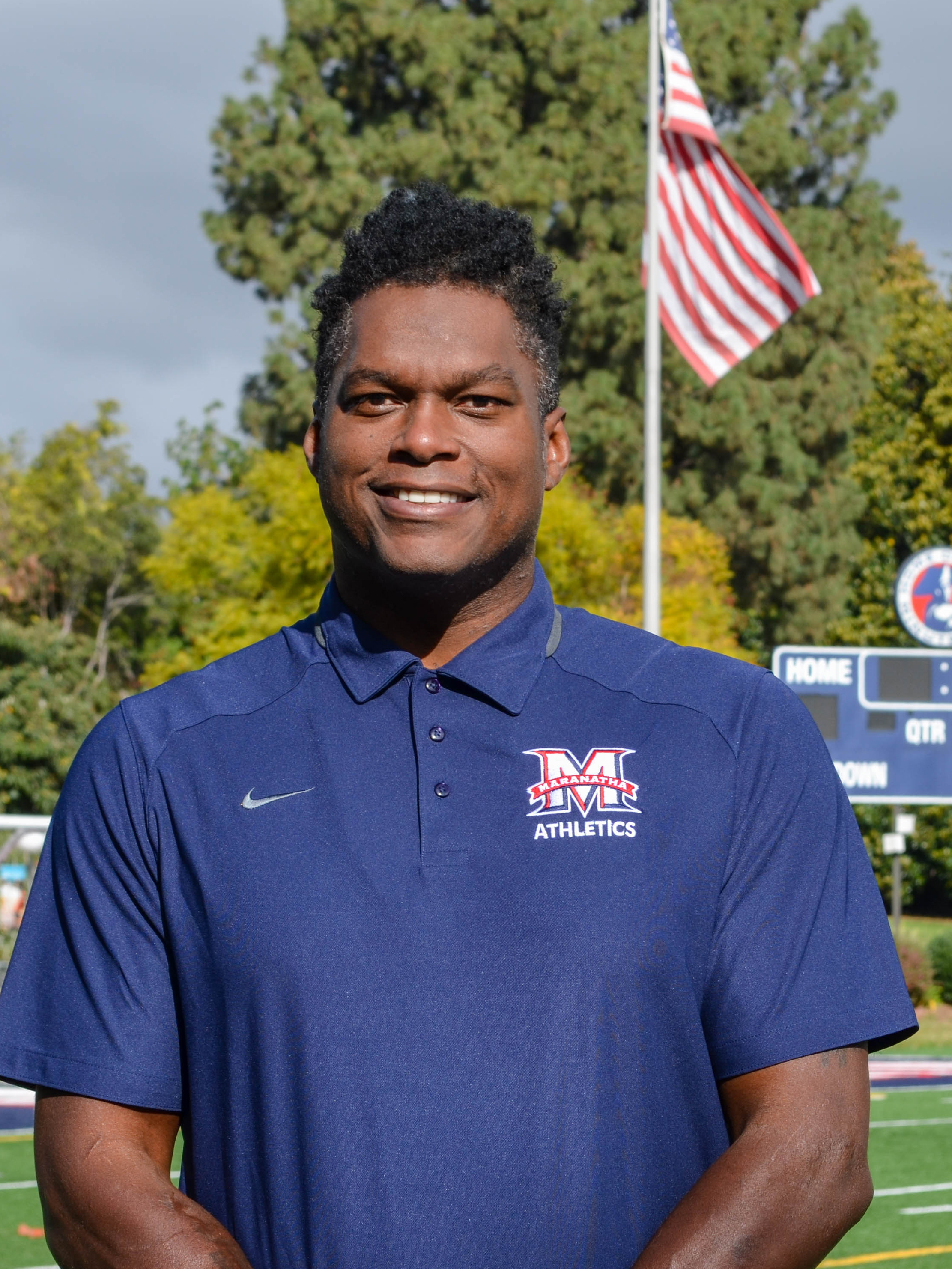 LaVar Arrington Leads the Minutemen to Victory in His Debut
