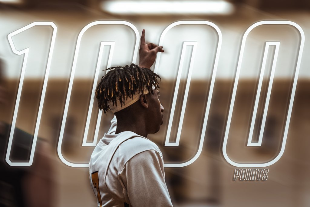 Roberts Nets 1,000 Career Points