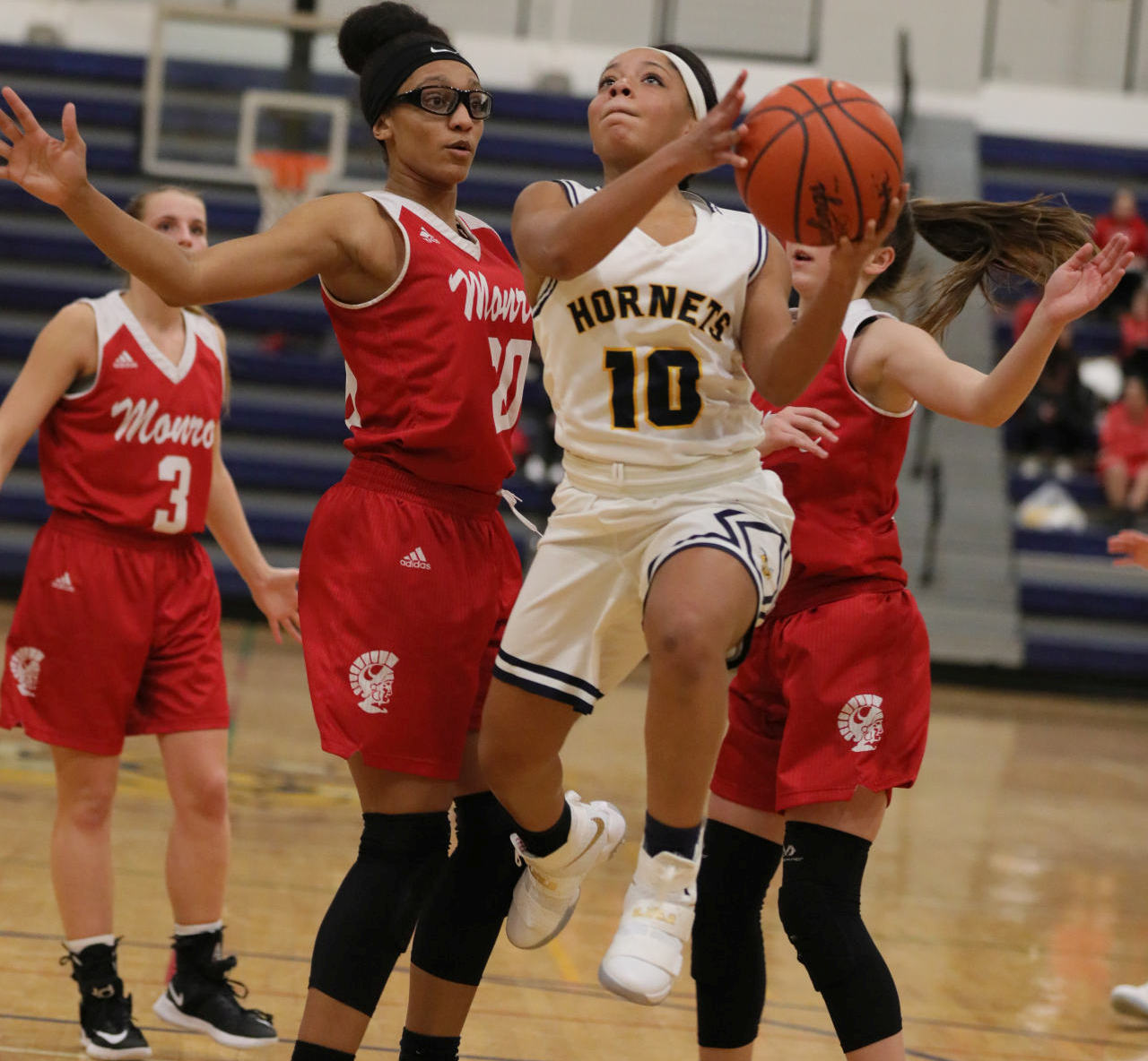 @TheSalinePost: Saline Girls Lose To Huron