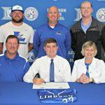 Nick Sanders signs