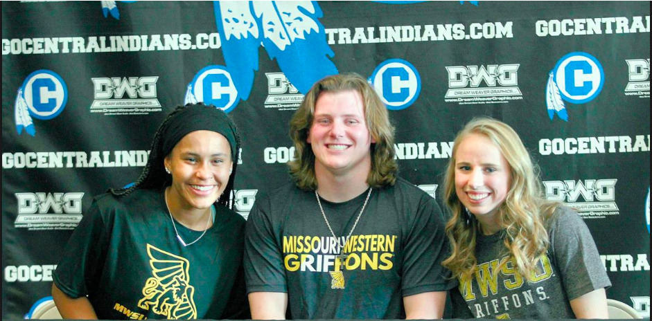 THREE CENTRAL STANDOUTS SIGN WITH WESTERN