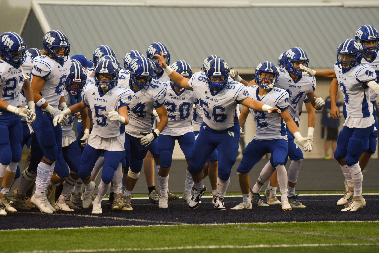 Bulldogs Open District Play With 30-0 Victory Over Panorama