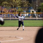 Girls Varsity Softball falls to Willamette