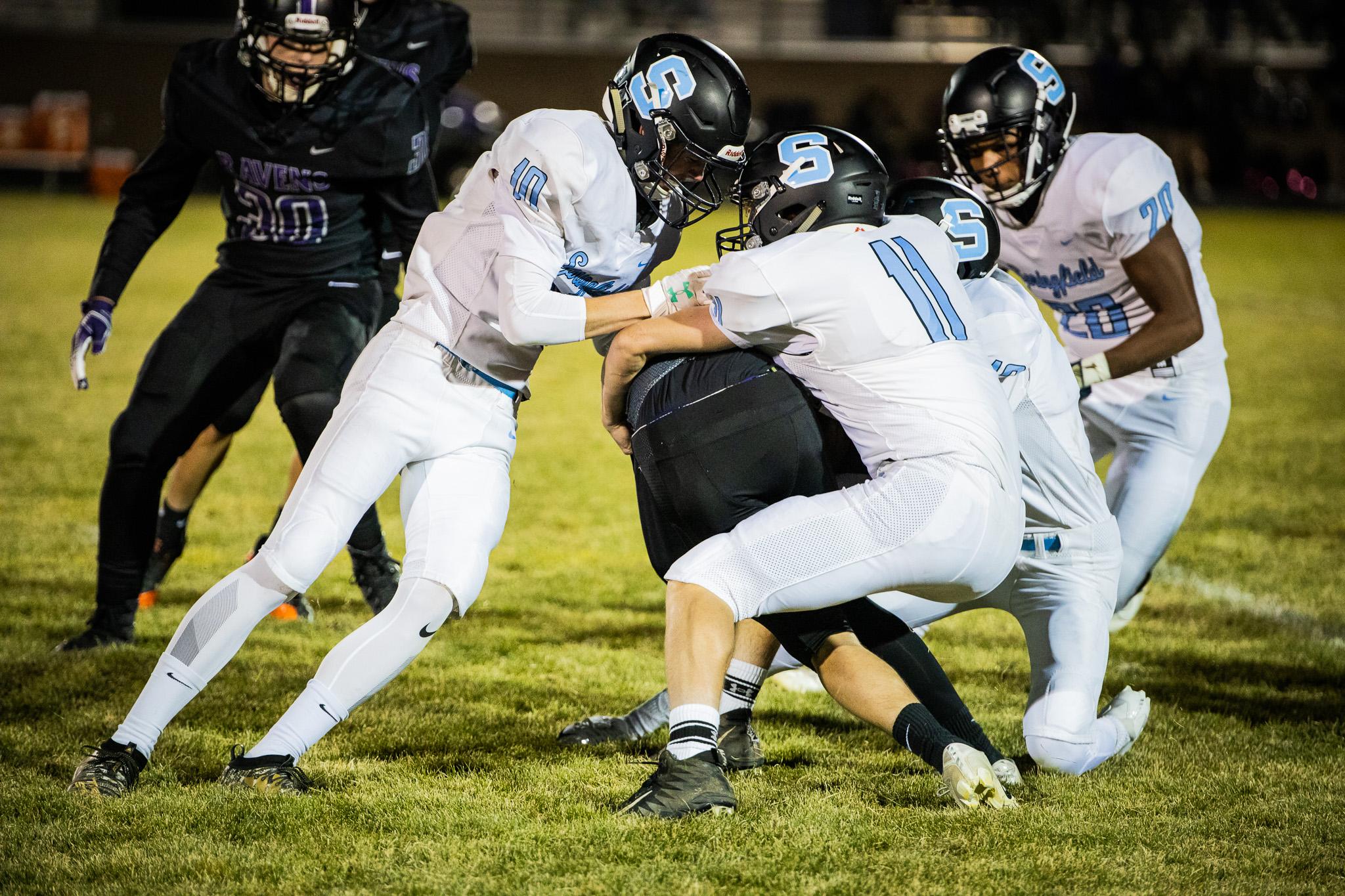 Boys Varsity Football falls to Ridgeview 35 – 13
