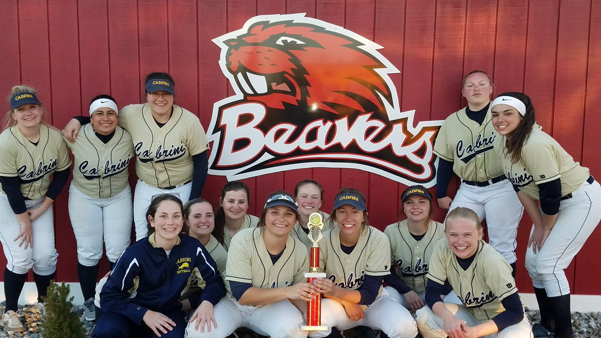 Softball Wins Beaverton Tournament!
