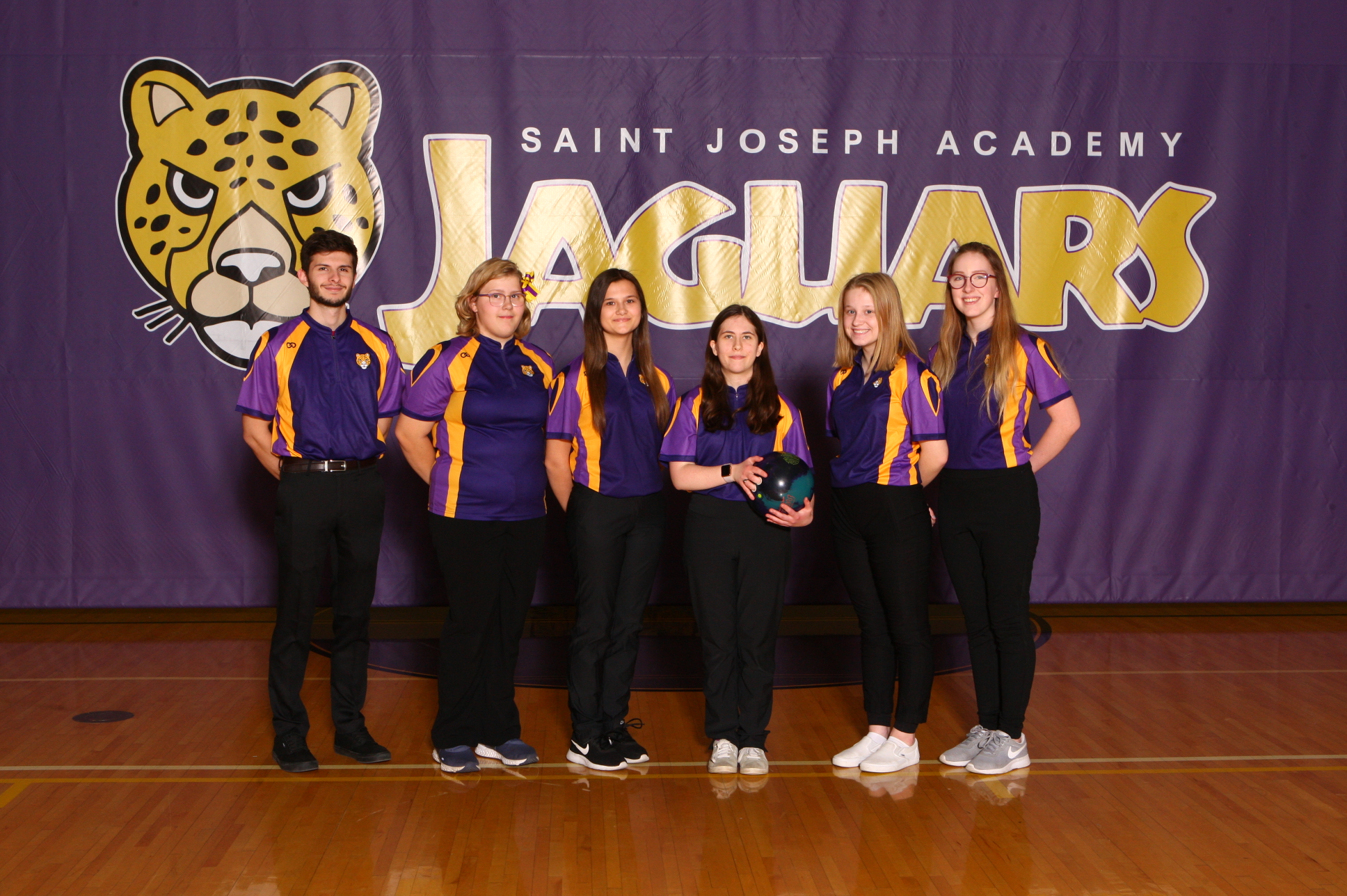 Varsity Bowling Finishes 13th Place at OHSAA District Tournament