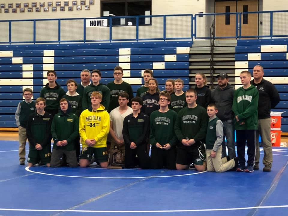 Wrestling Team Wins Districts and has Seven Kids Qualify for Individual Regionals