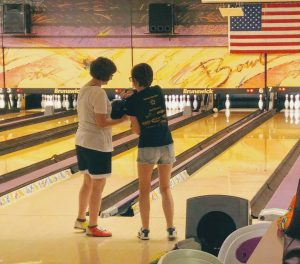 Monarch Bowlers Give Back