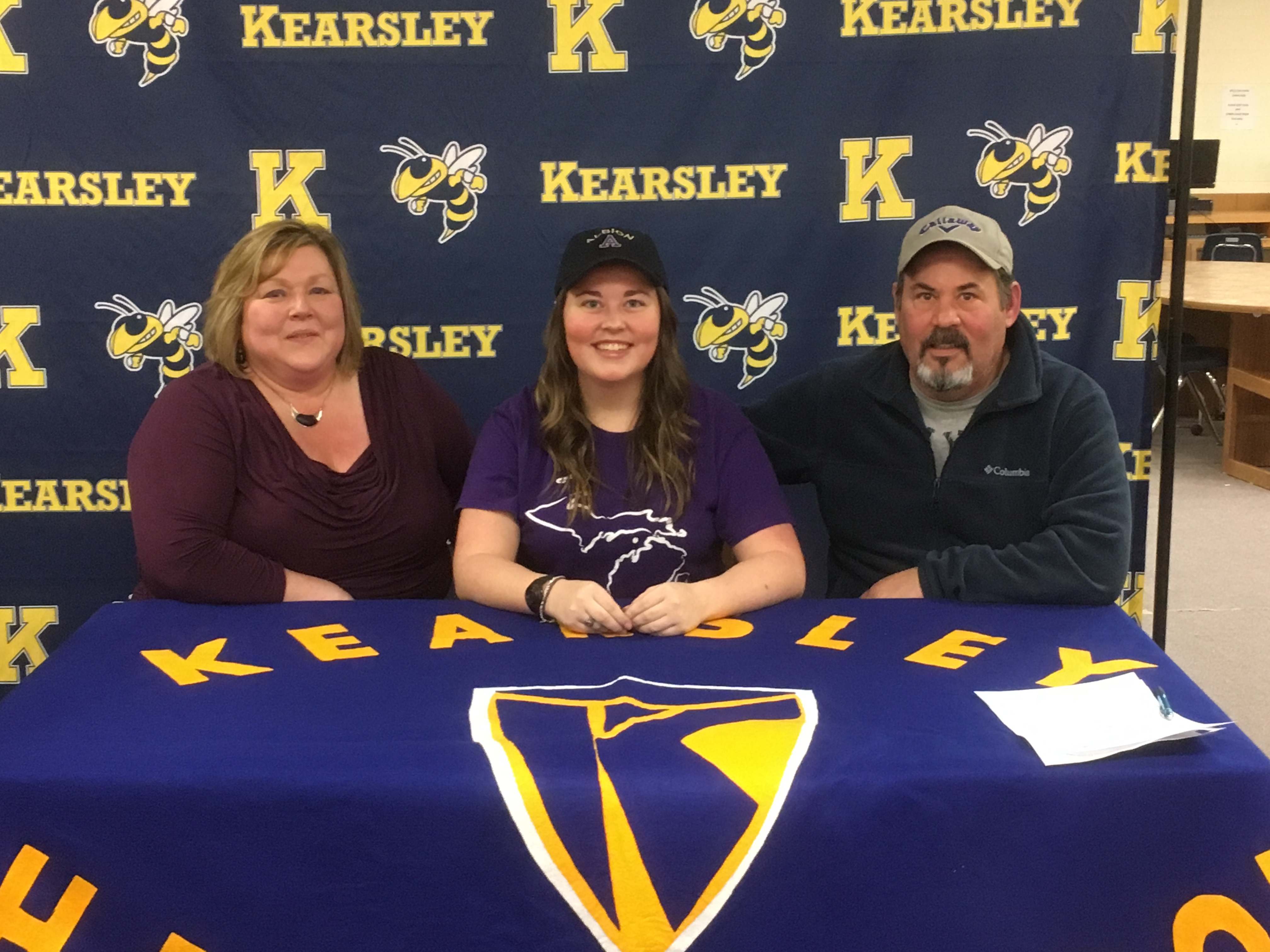 Grace Hoffman signs with Albion College Women's Golf