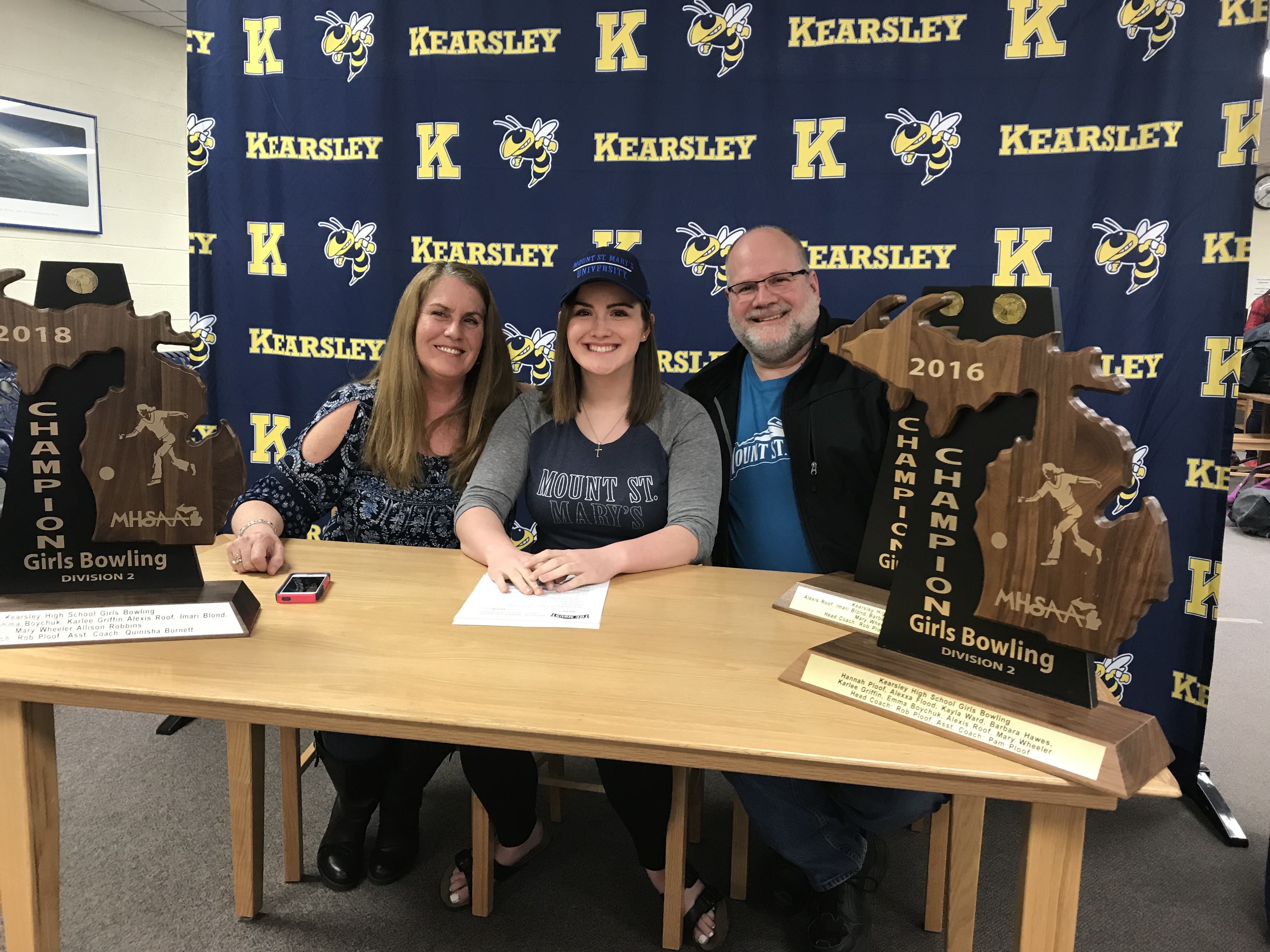 Barb Hawes signs with Mount St. Mary's University
