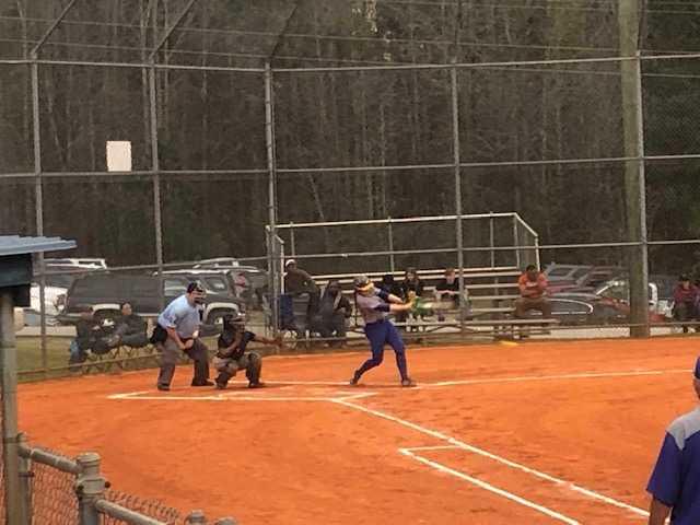 Girls Varsity Softball beats Newberry 15 – 0