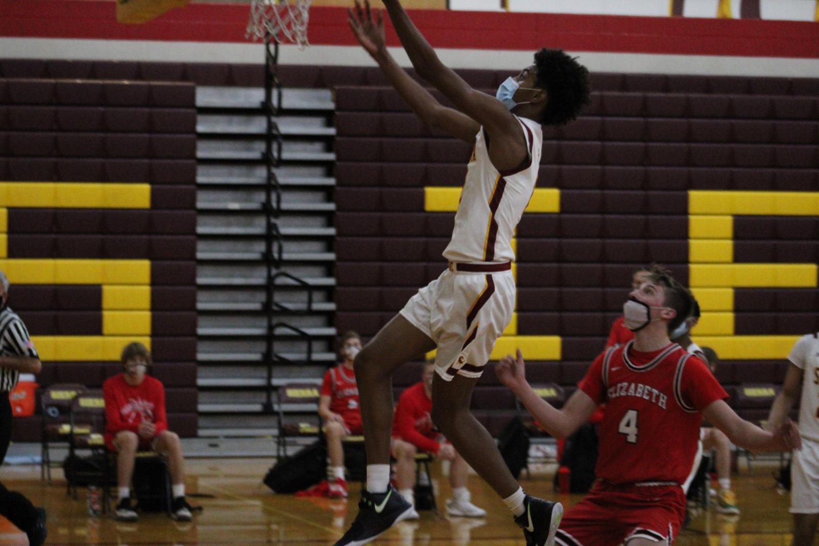 Photo Gallery: Boys Varsity Basketball vs. Elizabeth