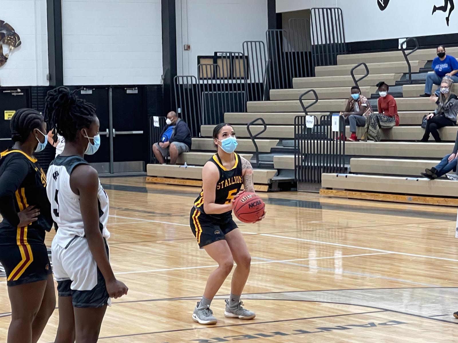 Photo Gallery: Girls Basketball vs. Harrison