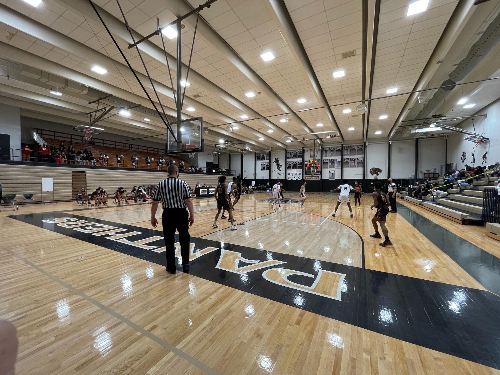 Boys & Girls Basketball Sweep Harrison in Final Game of the Season