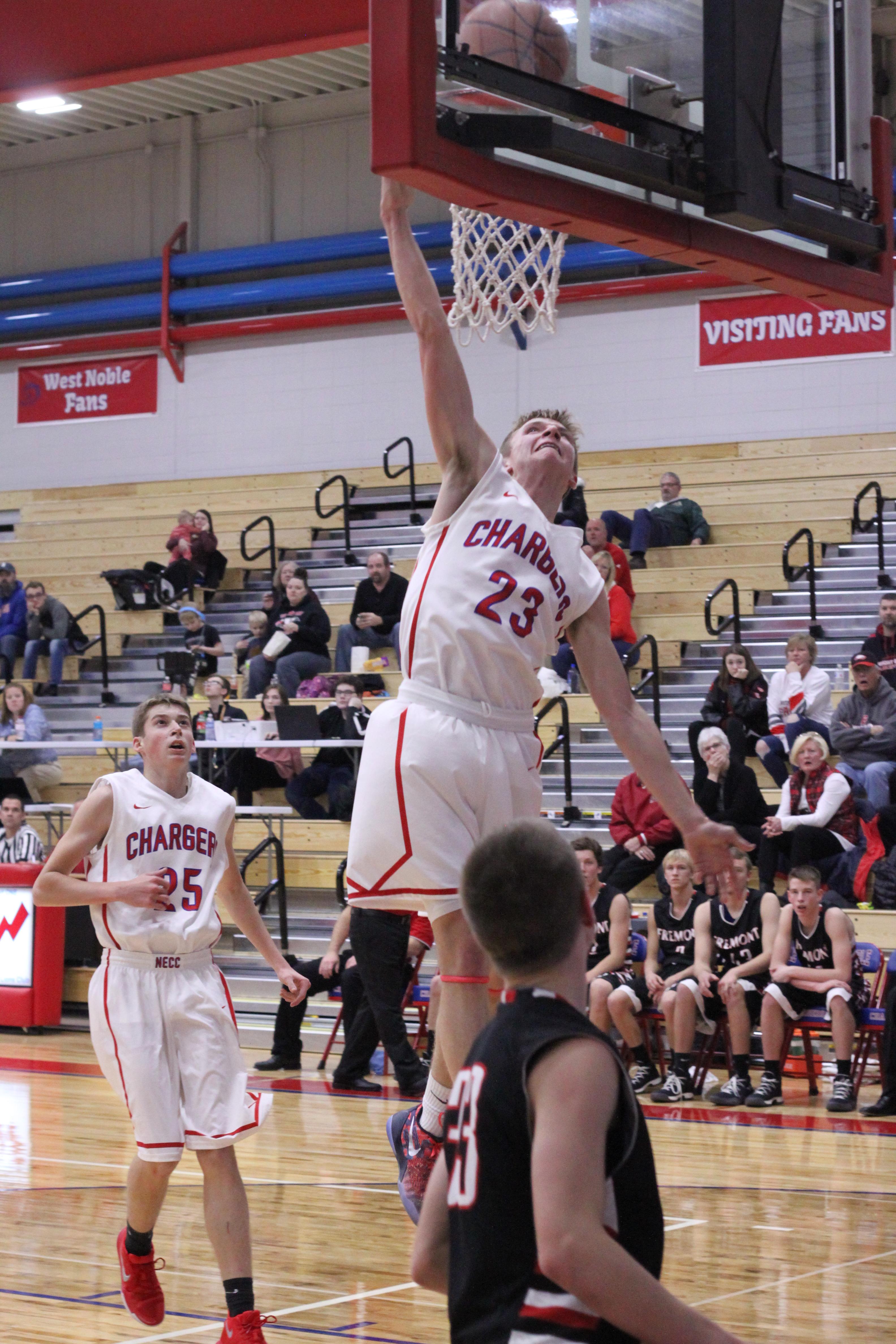 Boys Varsity Basketball beats vs Fremont HS 75 – 45