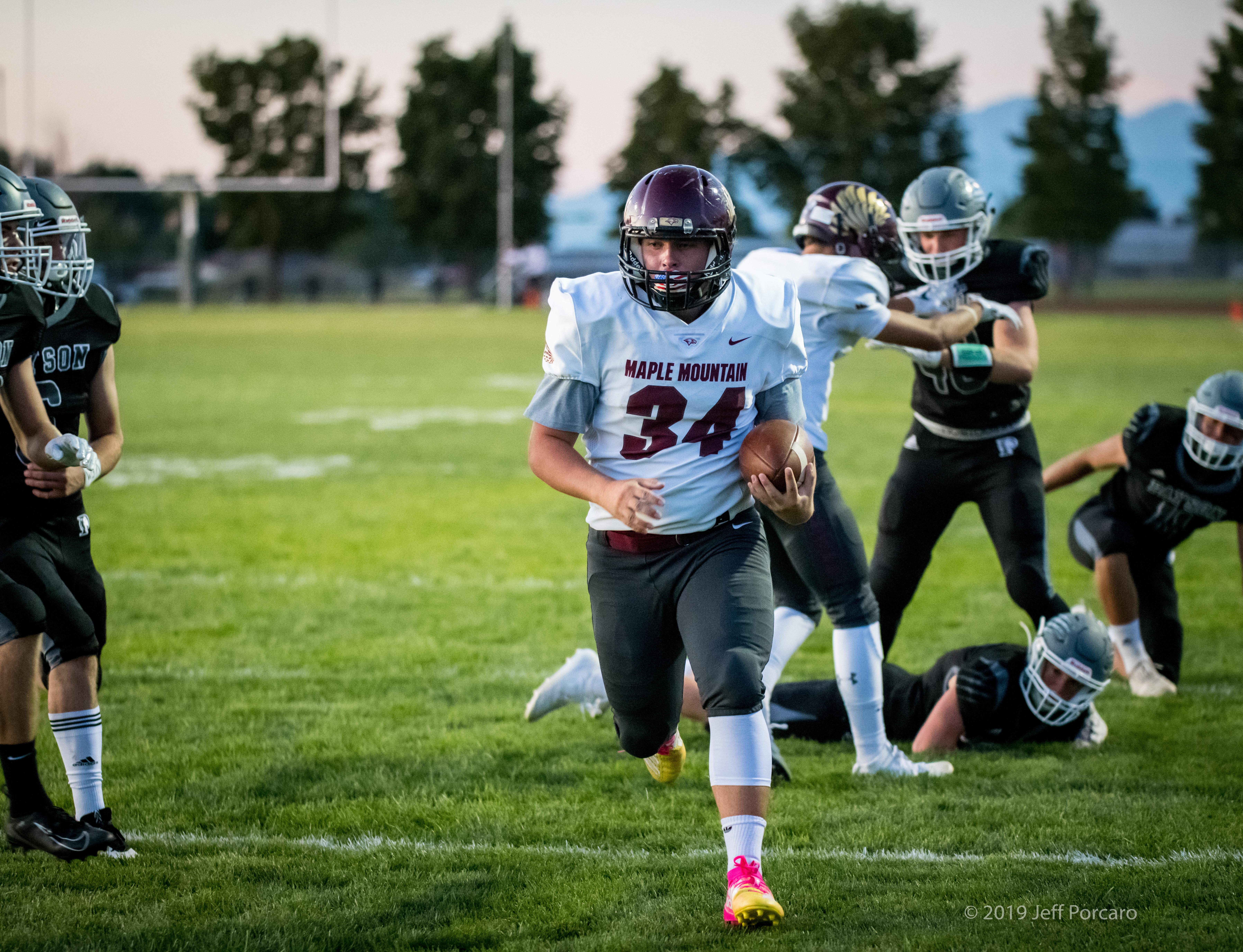 Boys Varsity Football beats Payson 31 – 0