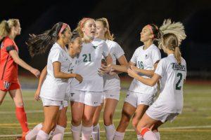 Girls Soccer vs Lake Oswego