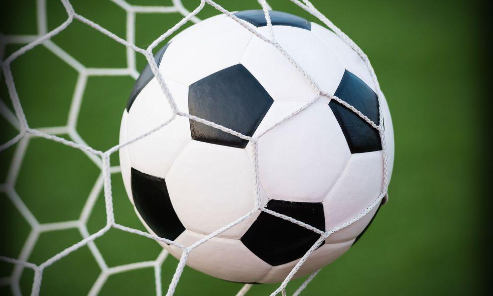 Soccer Sweeps Midland Dow