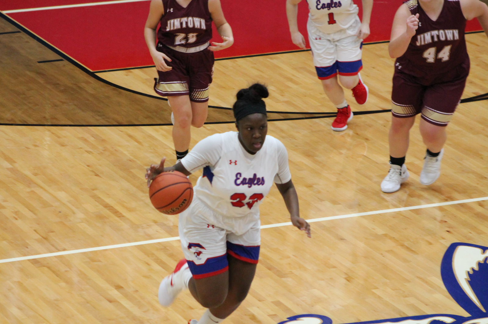 Girls Basketball Loses First Road Game of Year