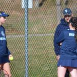 Crusader tennis splits with Yellow Jackets