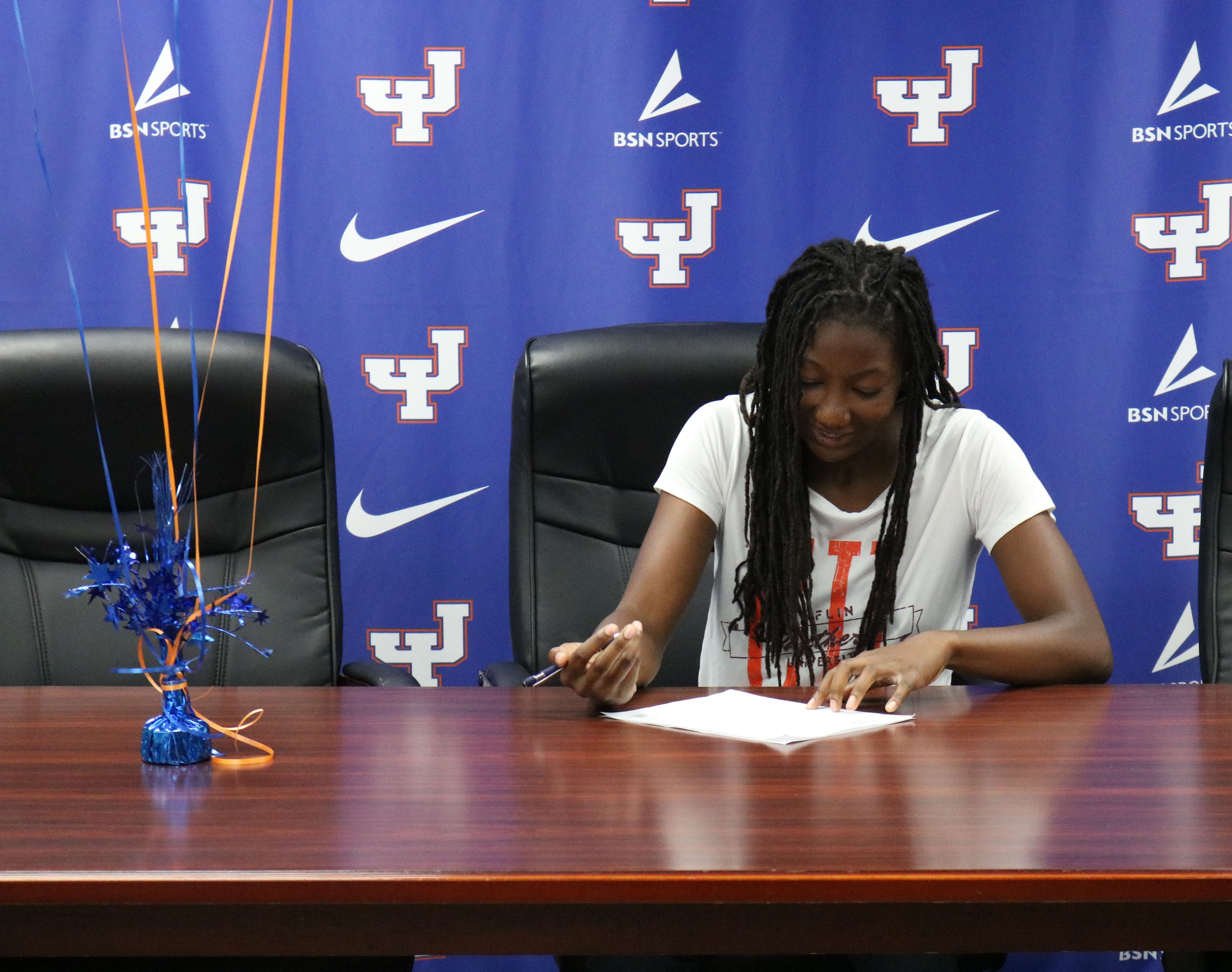 Trojans Sign Letters of Intent