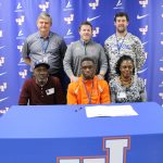 Senior Tre Buncumb Signs Letter of Intent
