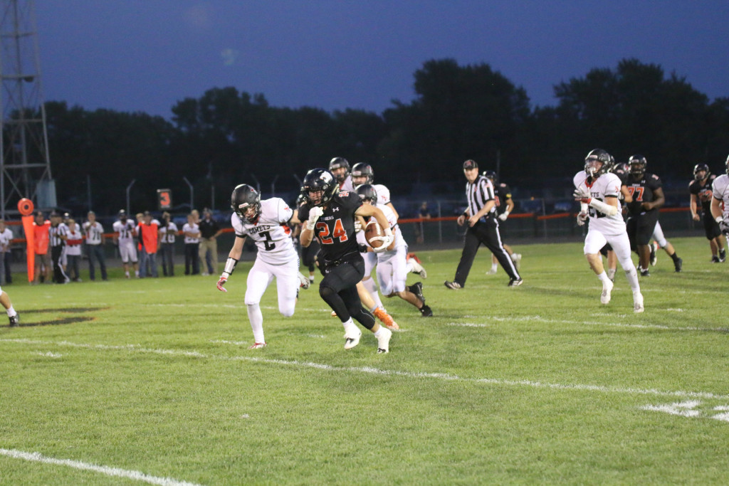 Grinnell Community High School Varsity Football beat North Polk High School 24-23