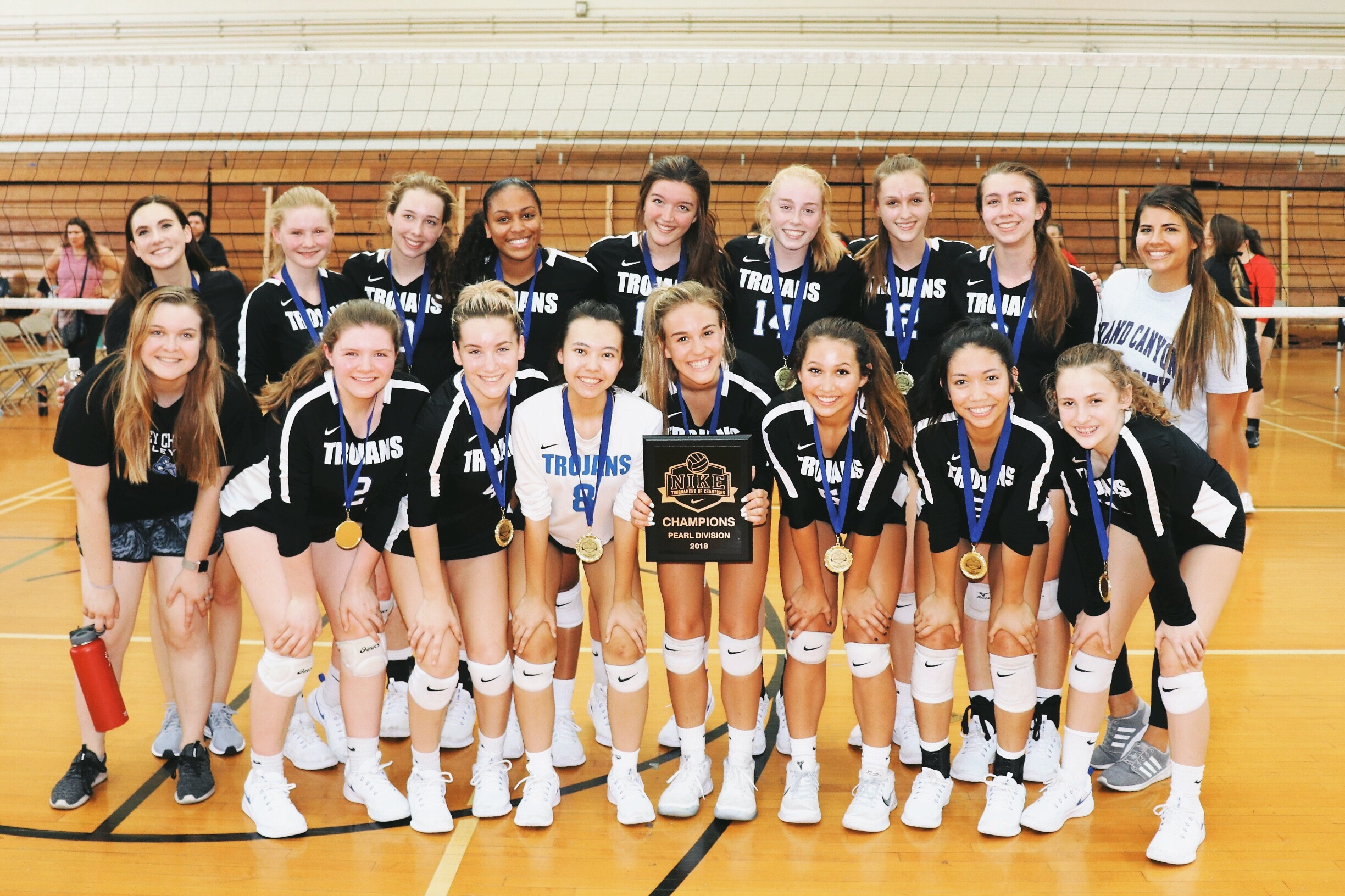 Valley Christian Varsity Volleyball Wins Division at Nike Tournament