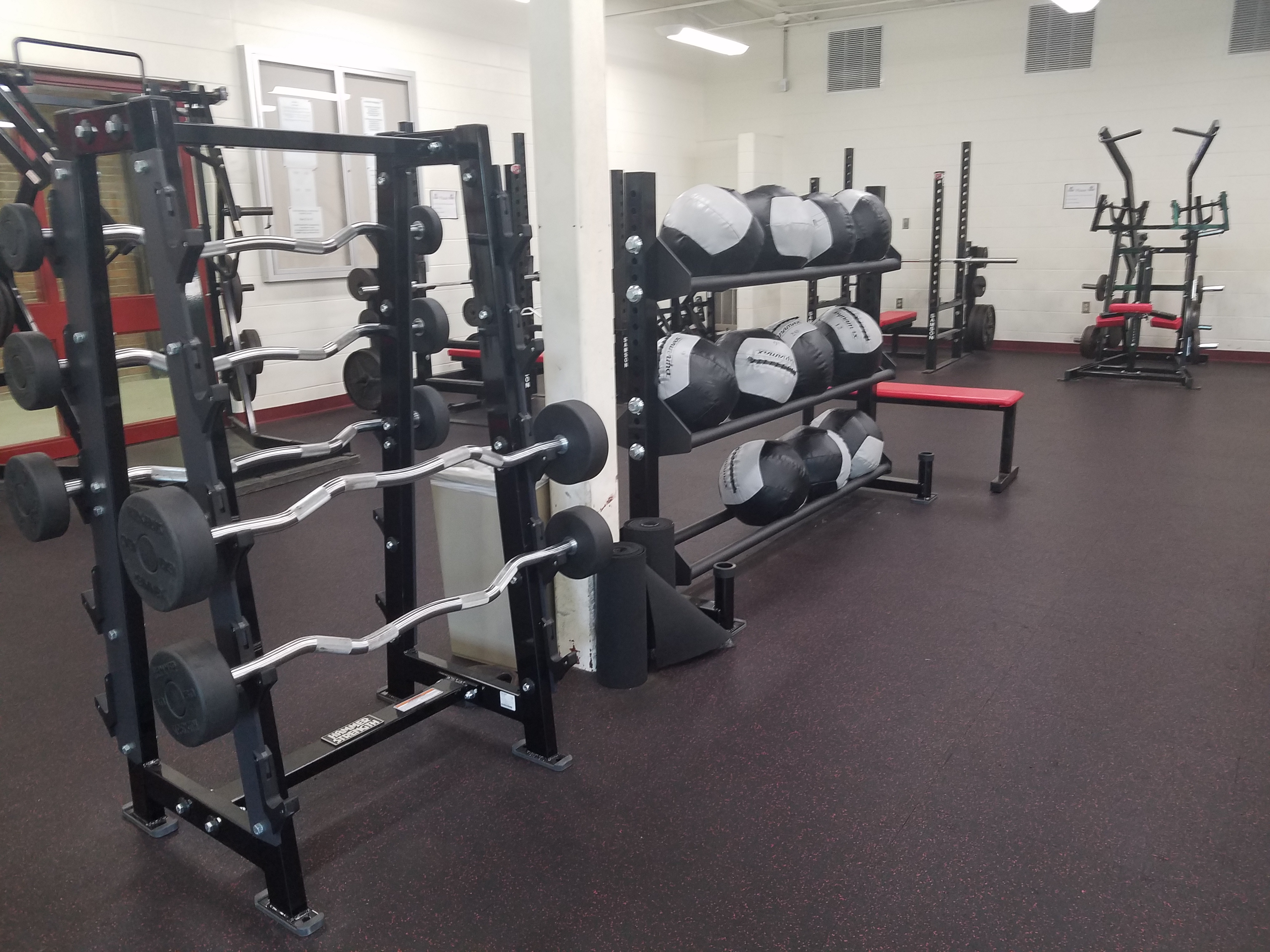 Marshall Community Foundation Awards Grant to MHS Weight Room