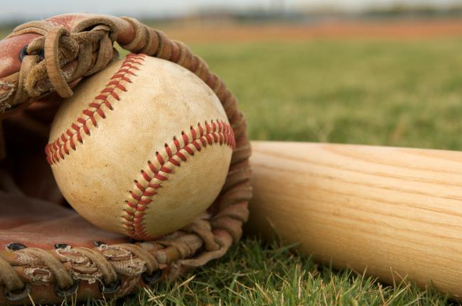 Marshall Baseball Gets a Double Header Split in Exciting Fashion