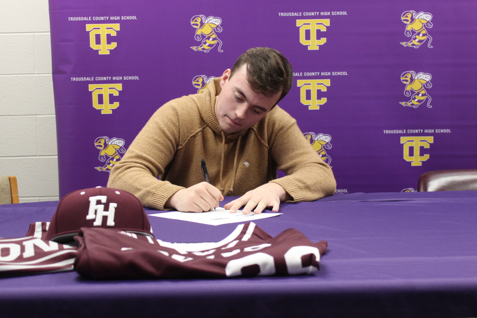 Pridemore signs with Freed-Hardeman University