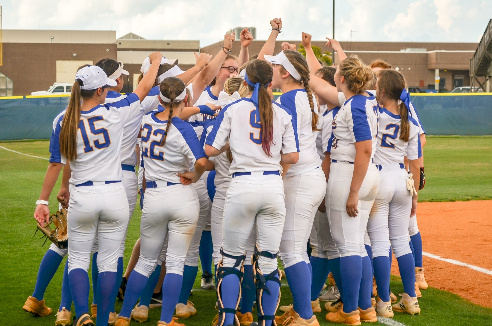 9-Run Sixth Sinks Wildcats; Game 2 Wednesday at Home
