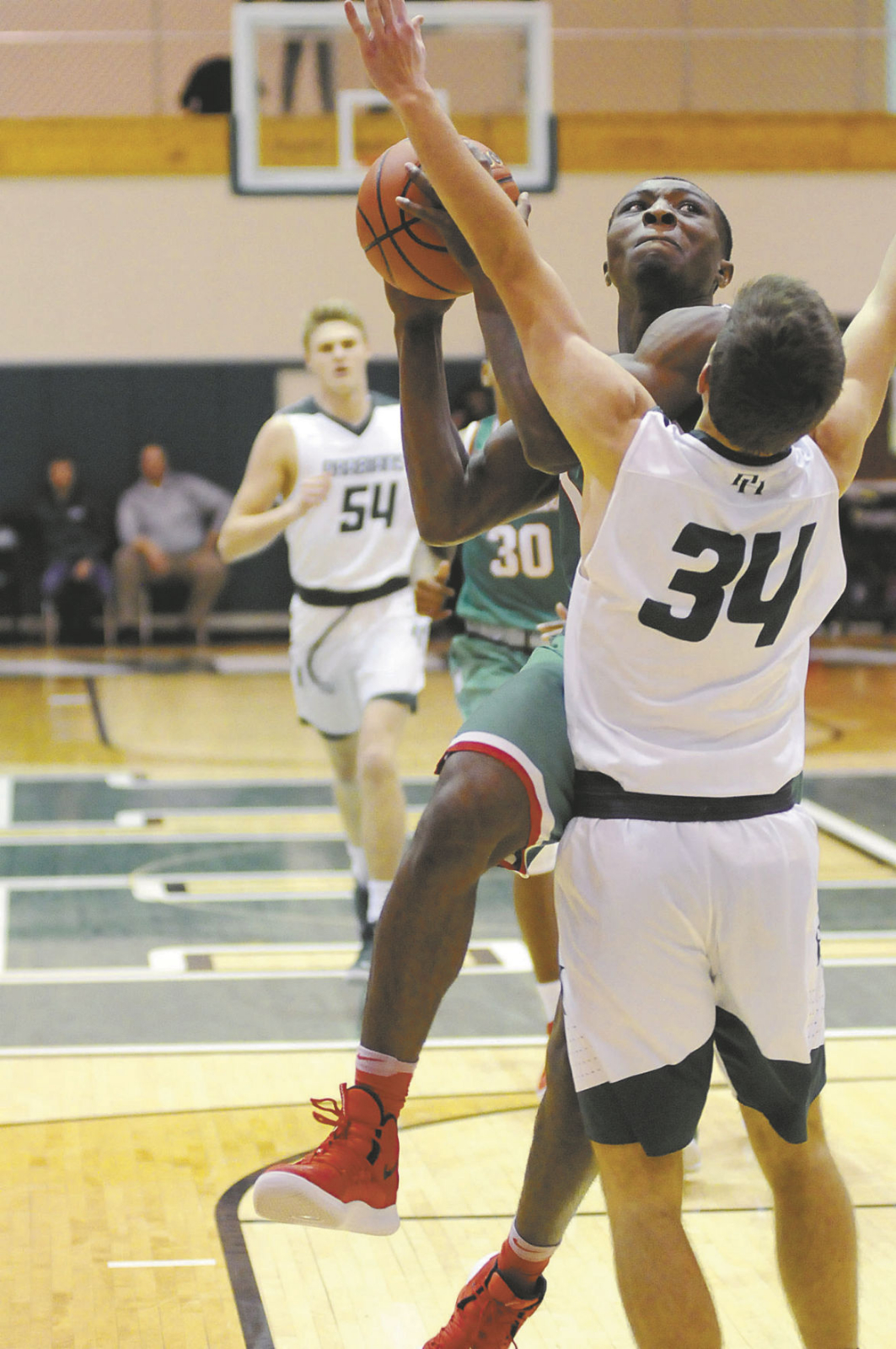 Indians defeat Arabians at Pendleton Heights