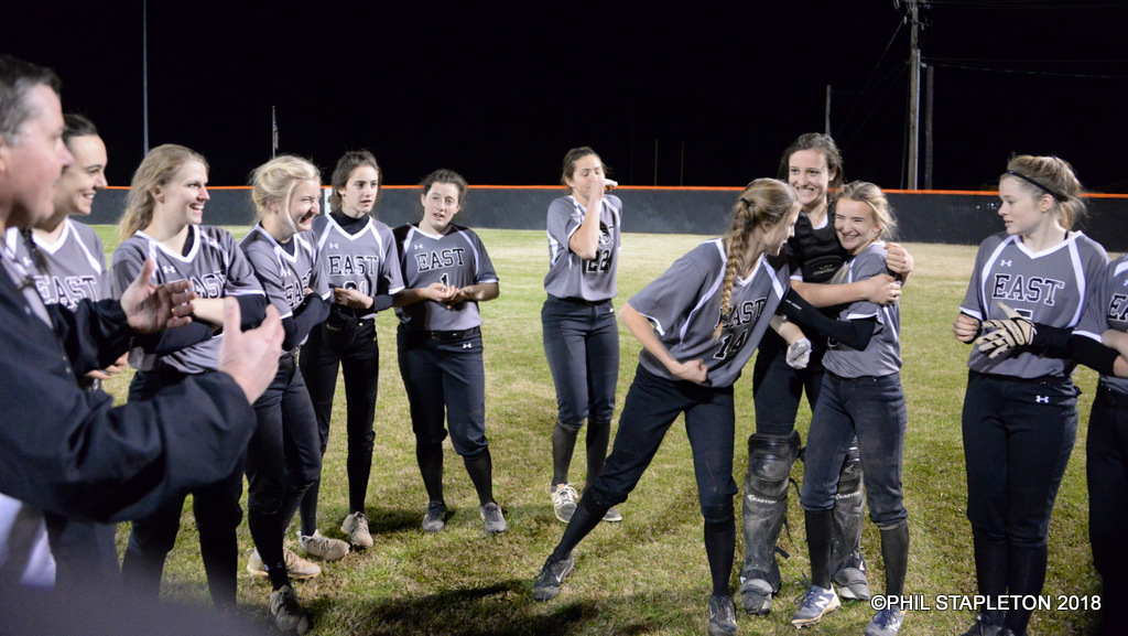 Softball Doubleheader:  Wildcats Sweep Panthers 6-5, 9-7