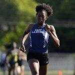 Taylor Manson Wins 400 Meter Run