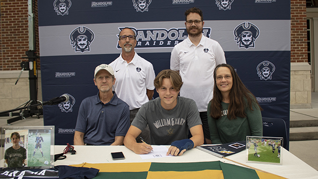 Ian Krajna 20′ will be attending the College of William and Mary in the fall to play for the Tribe's Soccer team.