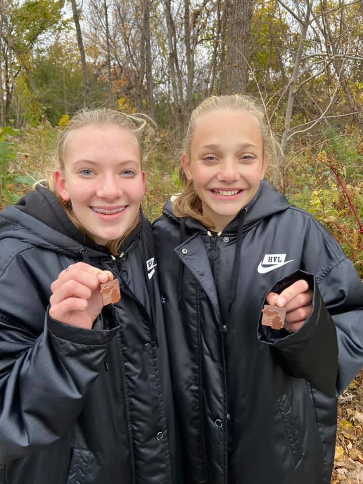 HVL Cross Country Runs Well at Regionals with 2 Runners Advancing to State Championship