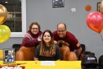Loren Carter signs to play at Oberlin College