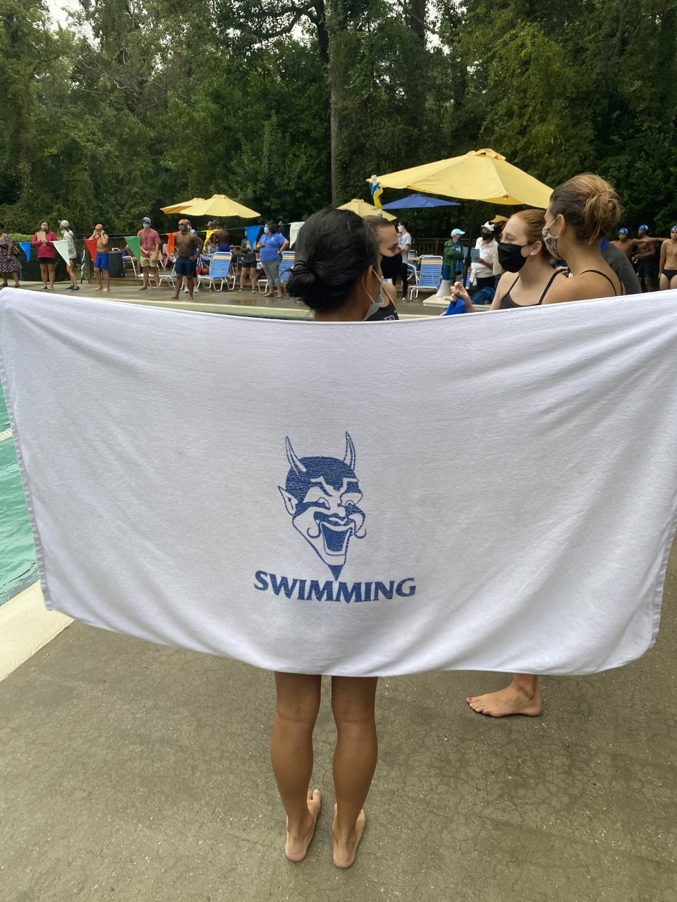 16 swimmers head to Charleston for State Championships