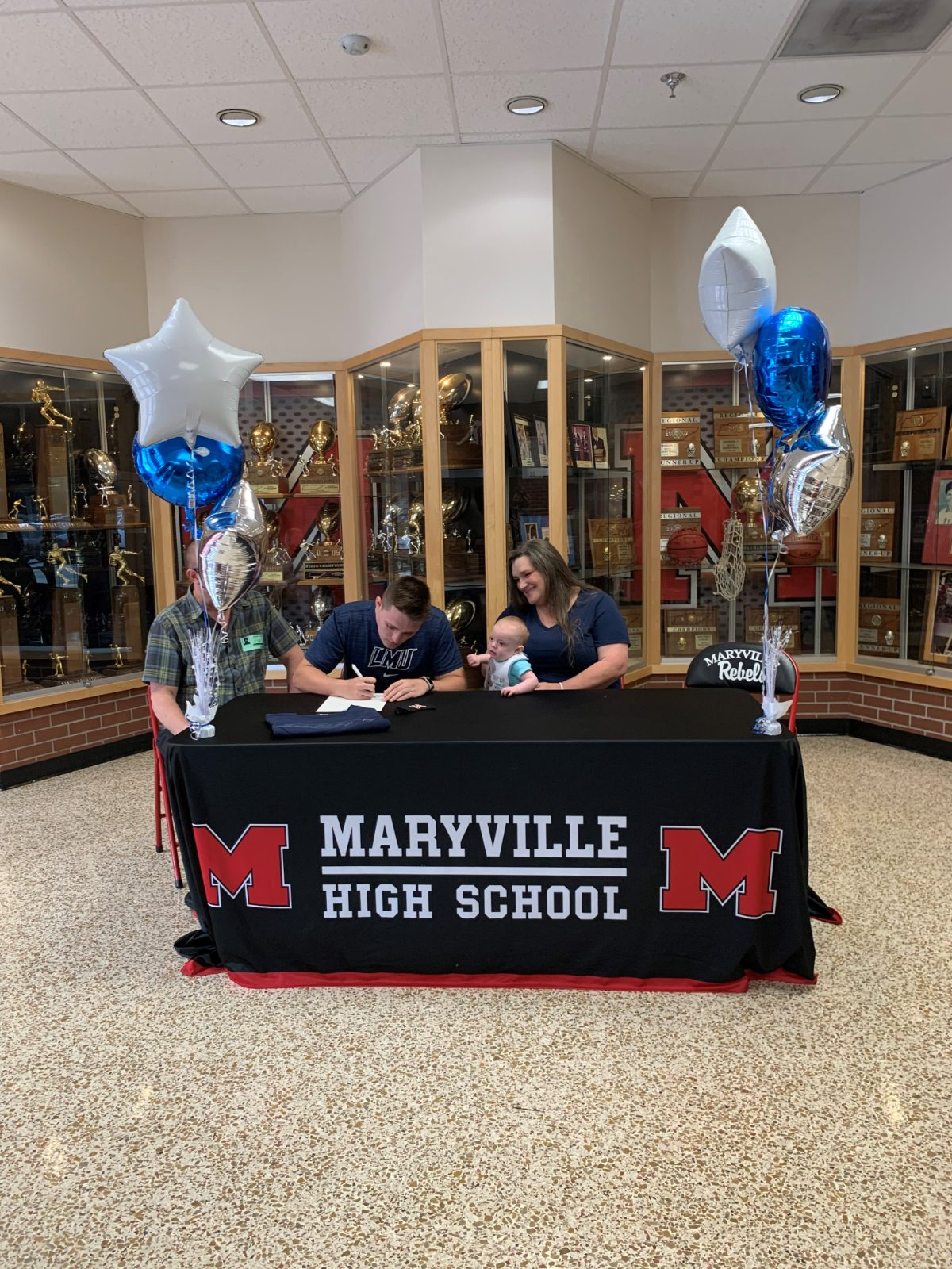 Alex Yager signs with Lincoln Memorial University