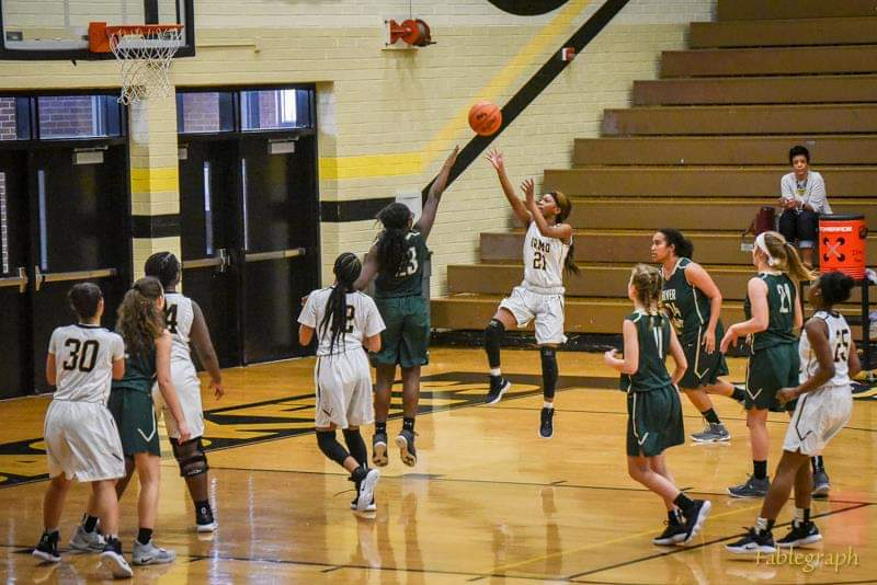 JV Girls Basketball finishes season a perfect 17-0!