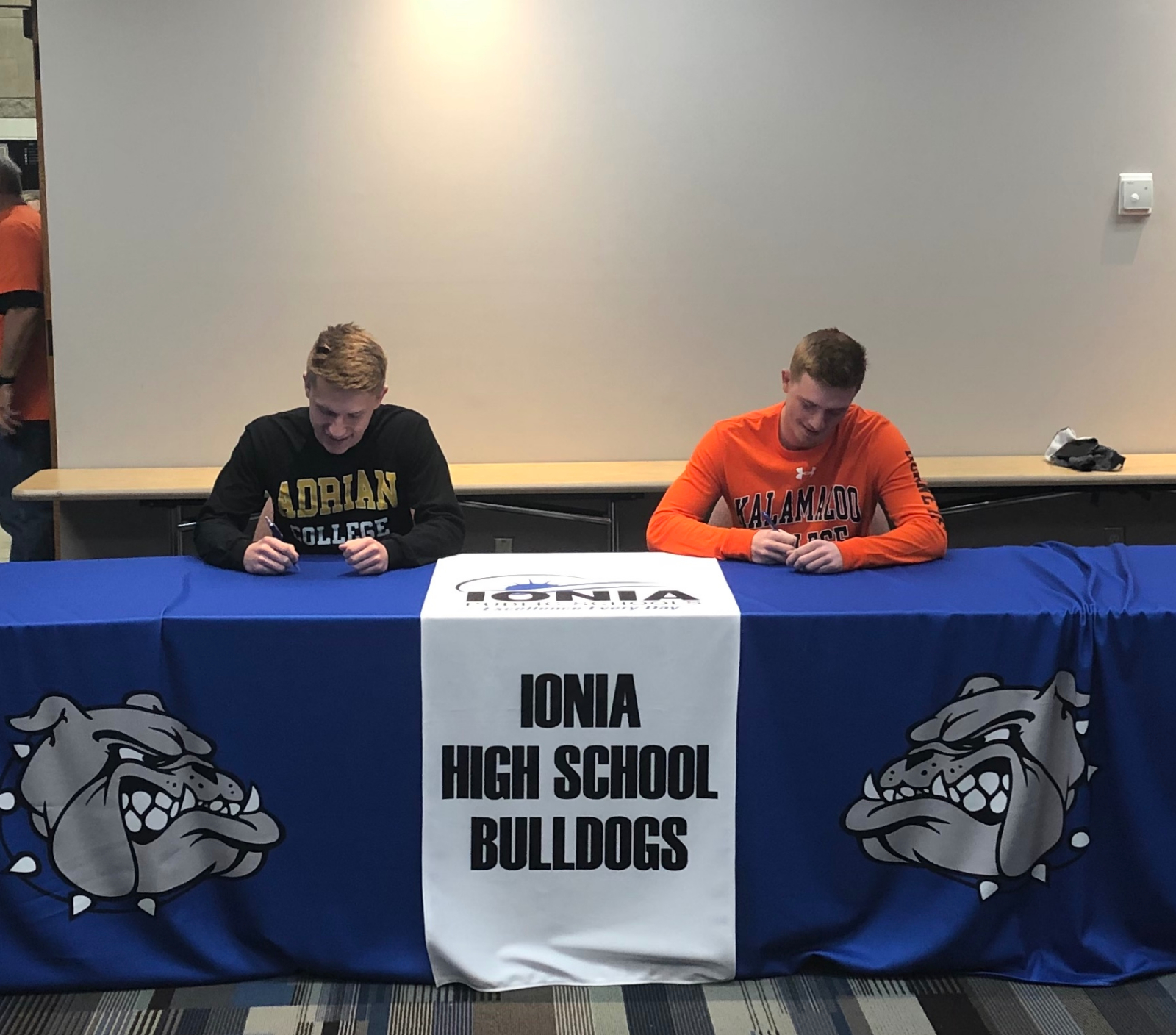 Sarka and Groom Sign Letters of National Intent