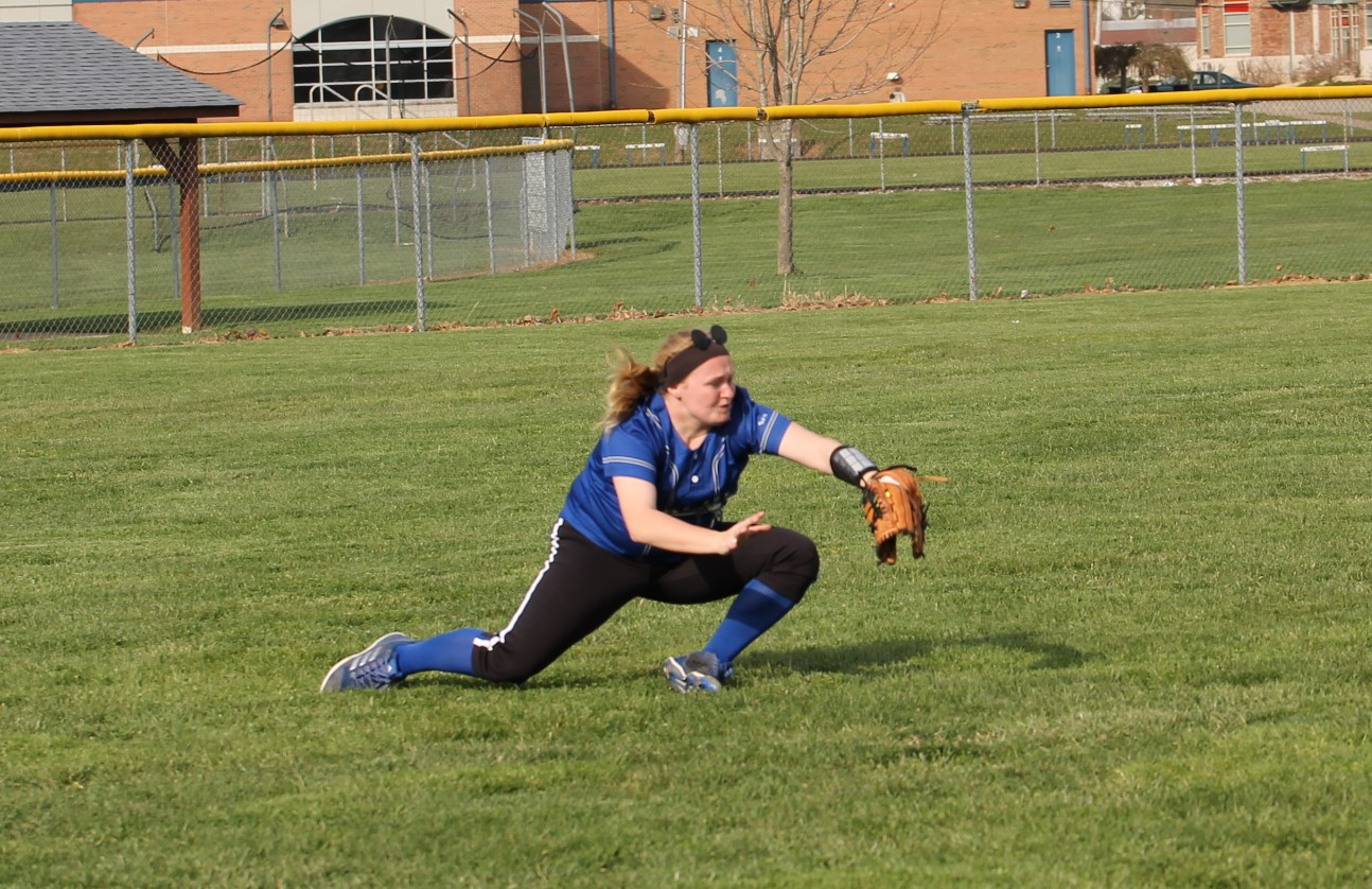 Lady Shiners Top Tigers and Cougars for a Perfect Week