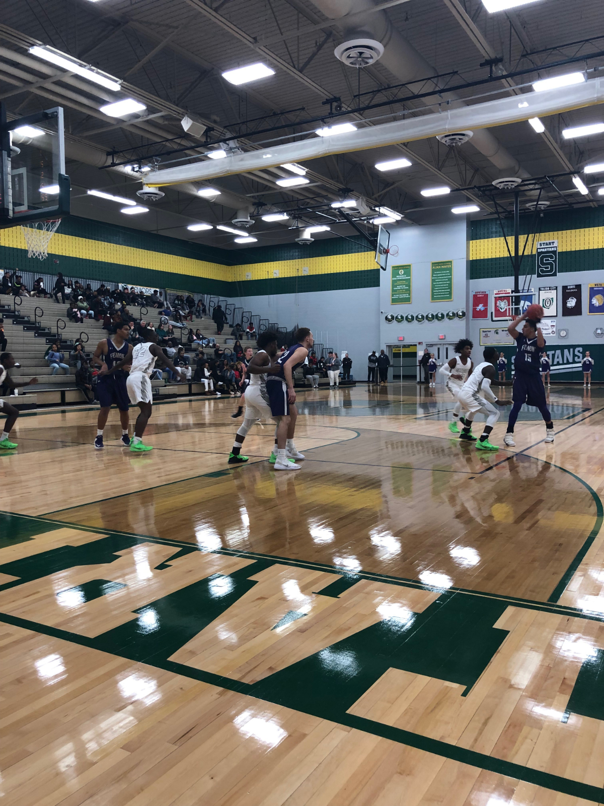Spartans take down the Little Giants