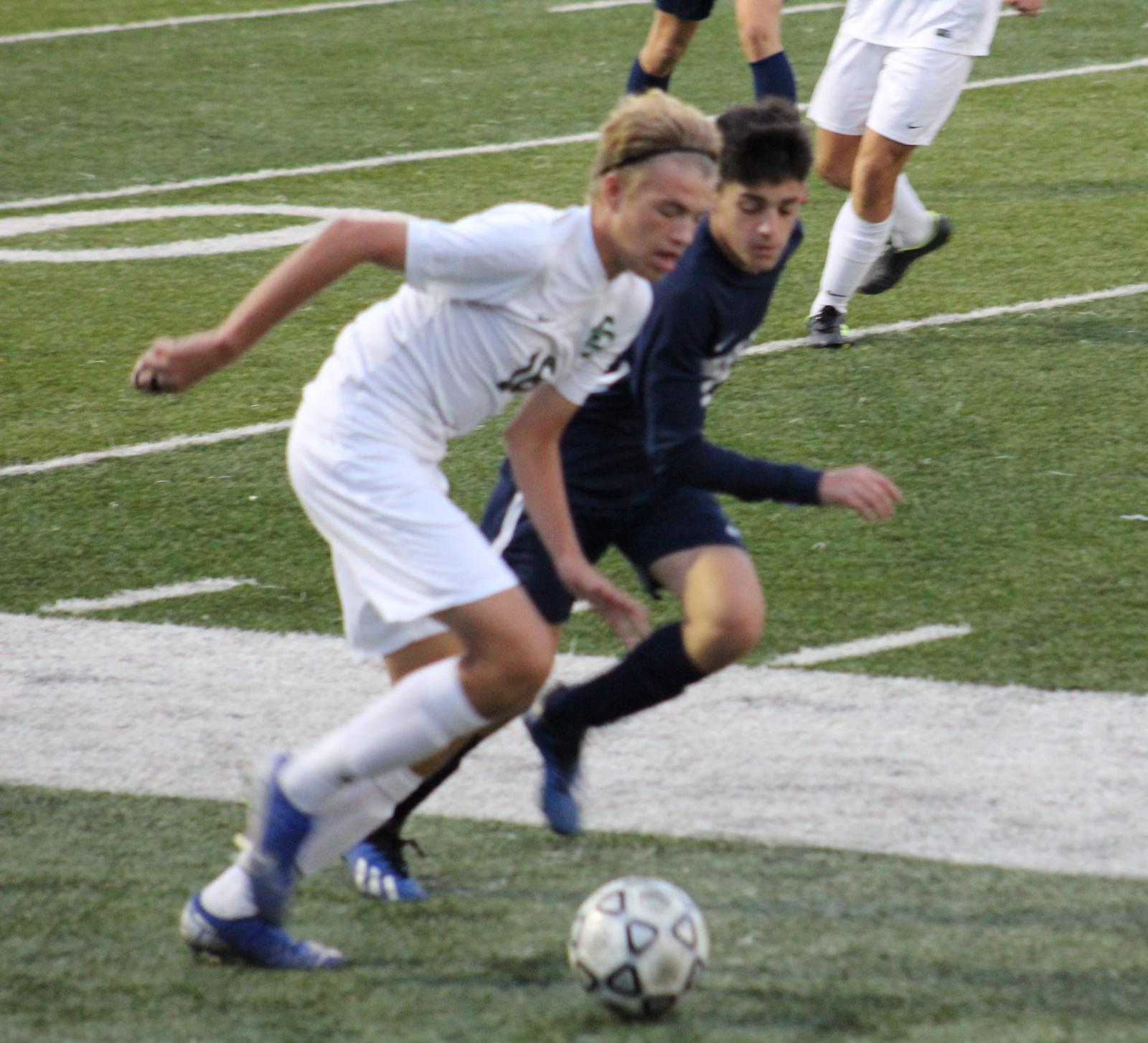 Boys Soccer Action Pics v EC