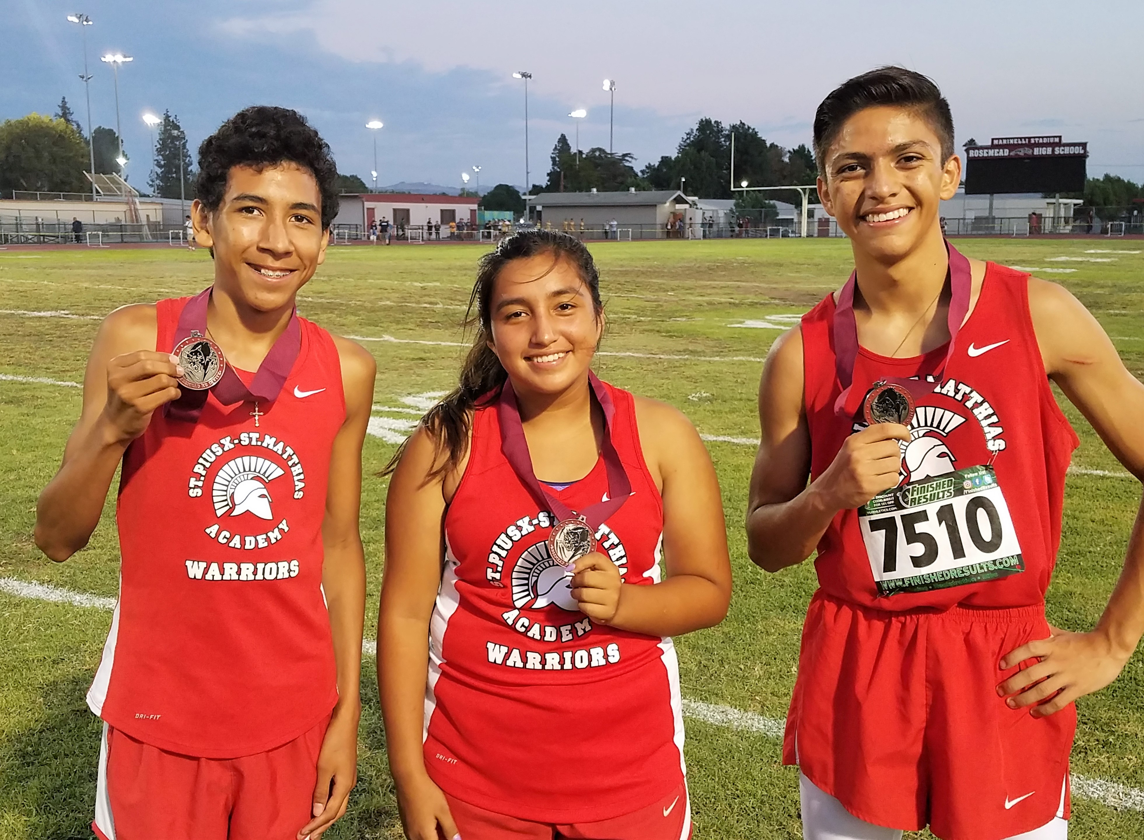 Cross Country Opens Up Season With 5 Medals