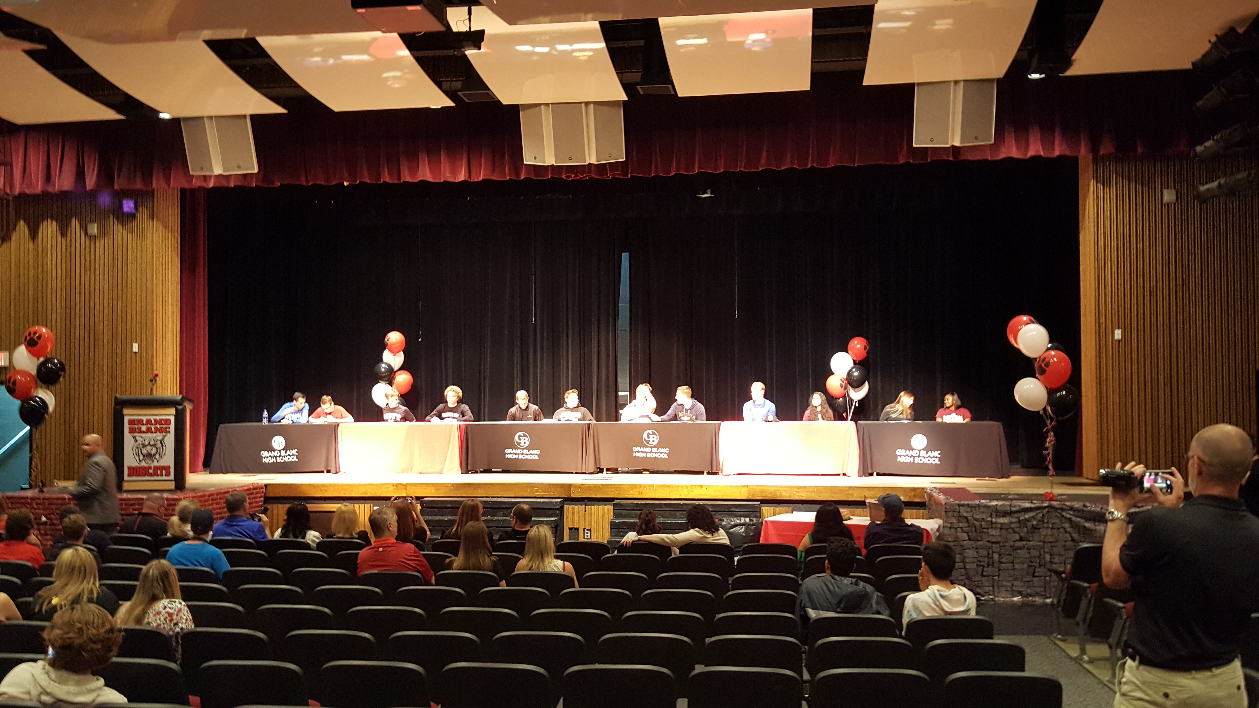 Senior Athletes Sign Letters of Intent