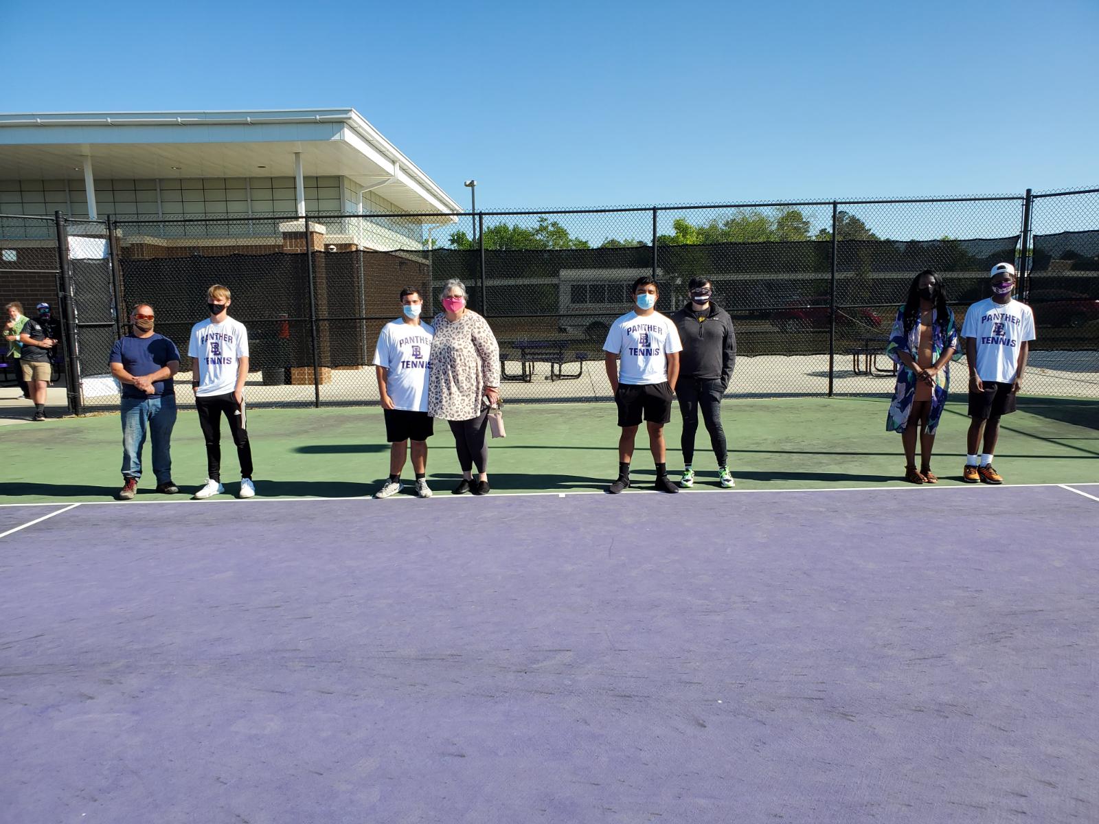 Boys Tennis Wins 5-1 on Senior Night