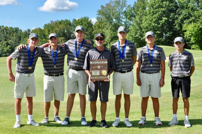 Boys Golf Wins 19th Consecutive Region Campionship