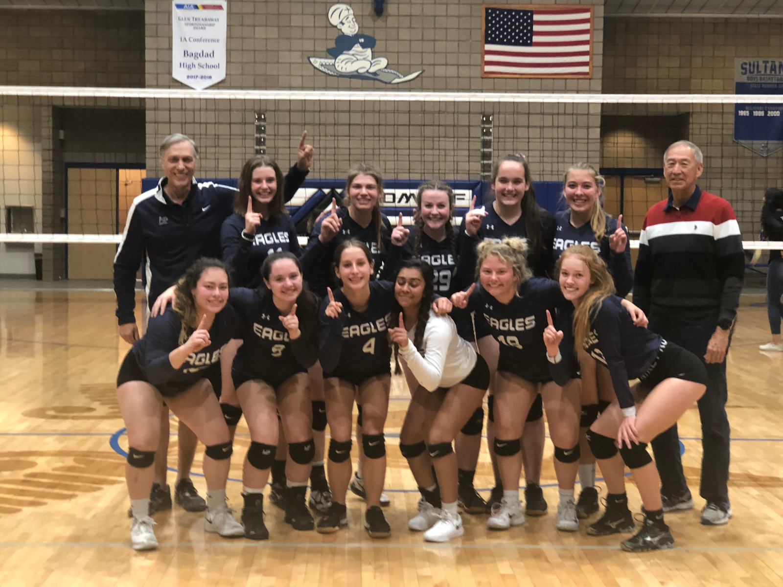 HS Volleyball Wins 1A West Regional Tourney Beating Salome and North Valley Christian